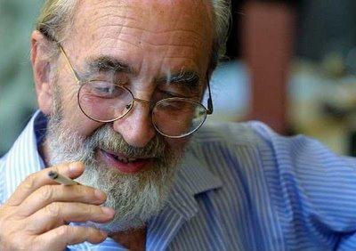 Retrato del poeta español Ángel González