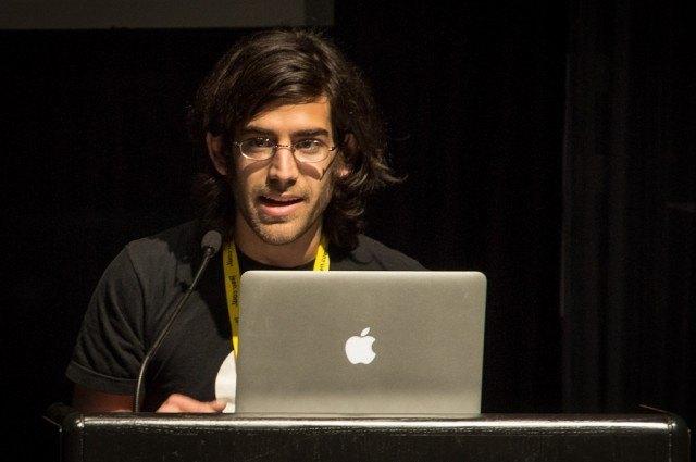 Retrato+de+Aaron+Swartz+dando+una+conferencia