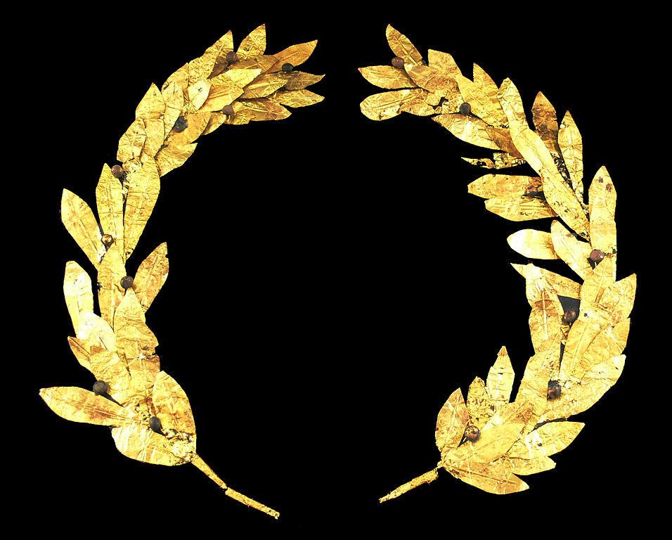 Corona de laurel hecha en oro con bayas, probablemente de Chipre del siglo IV o III a. C.