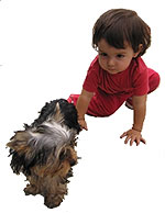 Laura con un perro