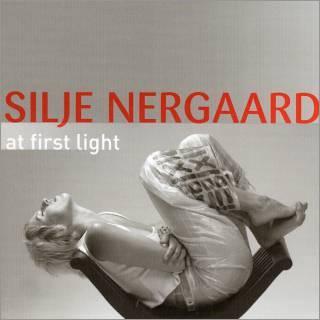 Portada del CD At first Light de Silje Nergaard